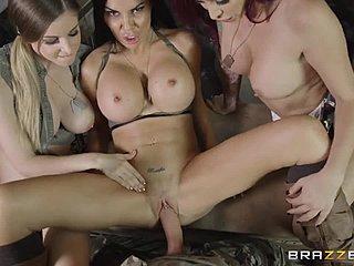 Sex big tit soldier